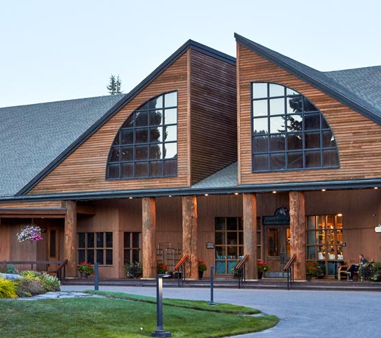 Grouse Mountain Lodge: Modern Lodge Style Hotel In