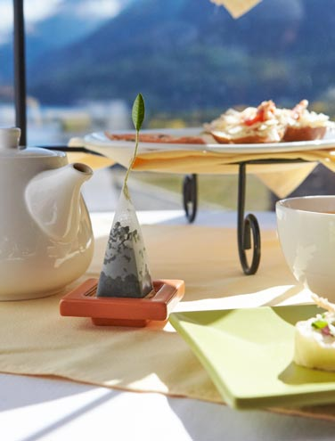 In Favor of Tea Time: 8 Reasons Why We Love This Elegant Afternoon Tradition